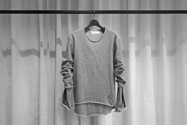 ASKYY / LAYERED SLASH PULLOVER / SNOWGRY