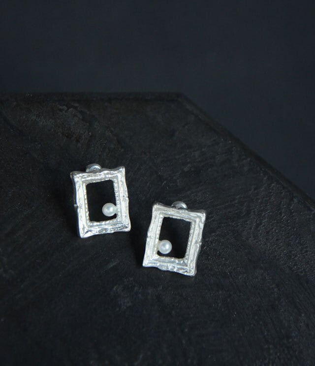 Picture frame パールピアス - SILVER