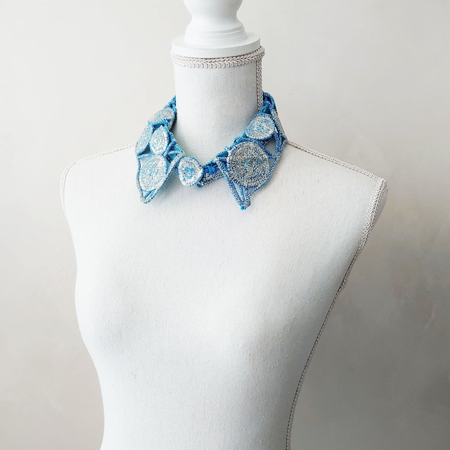 かざり衿 [ 奈良平宣子 テキスタイルアクセサリー ]  ライトブルー + シルバーラメ