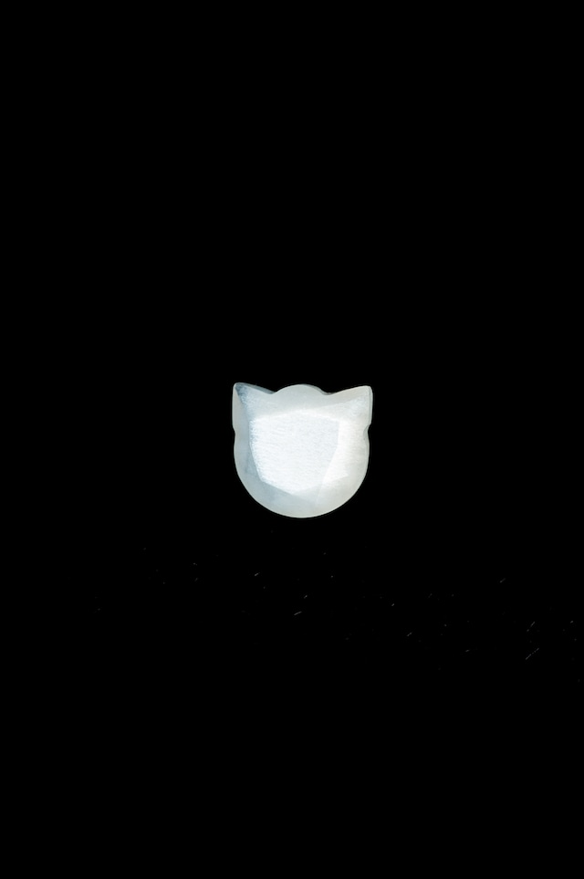 Moonstone Cat - 5 mm