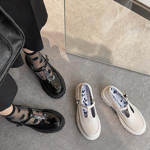 パンプス レディース Tストラップ 黒 白 ロリータ シューズ 靴 厚底 ミディアムヒール コスプレ靴  LOLITA レザーシューズ 革靴7404