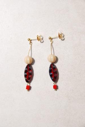 ピアス: Czech Beads &ガラス[赤] 「釣りに出掛ける」