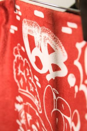 6th Wall by ATOMONE SUPER BIG TOWEL [ RED x WHITE ]