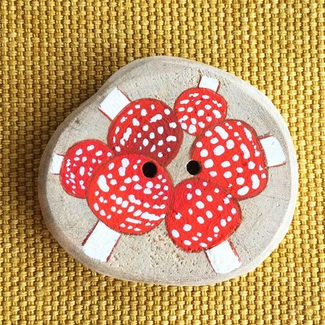 【富良野 森の贈り物】森のきのこの飾りボタン4