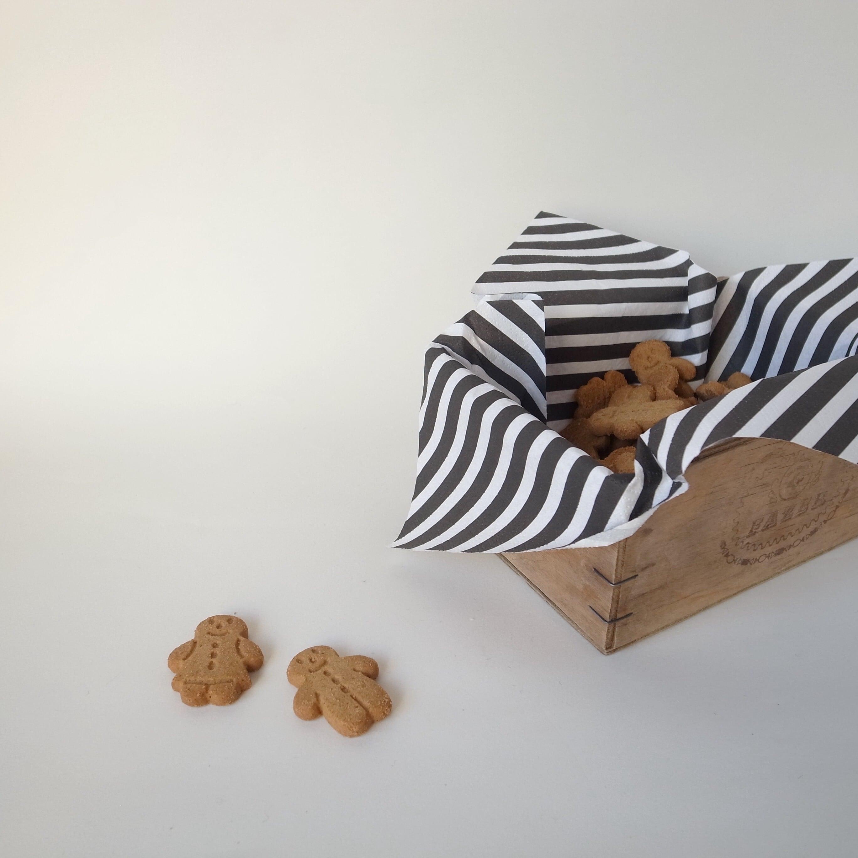 Fazer社のお菓子の木箱