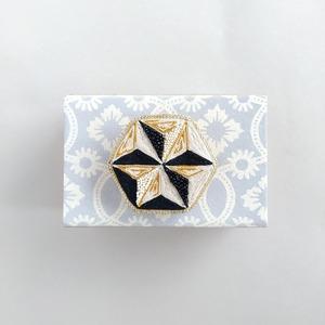 アントワネットポワソン(Antoinette Poisson)コラボブローチ<ドミノno.5 八角形>