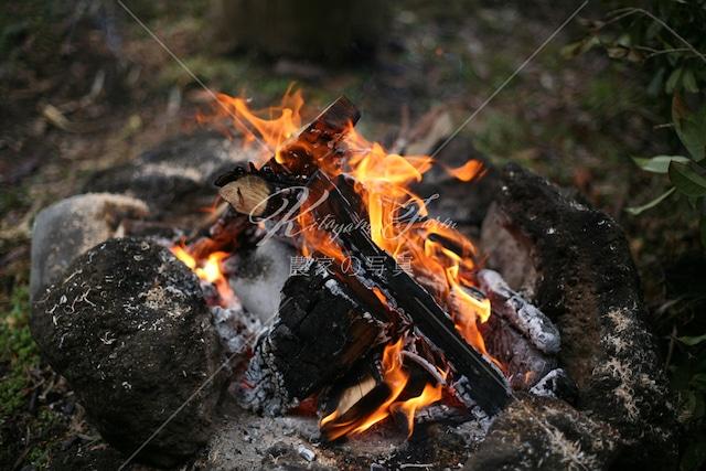 030 焚き火