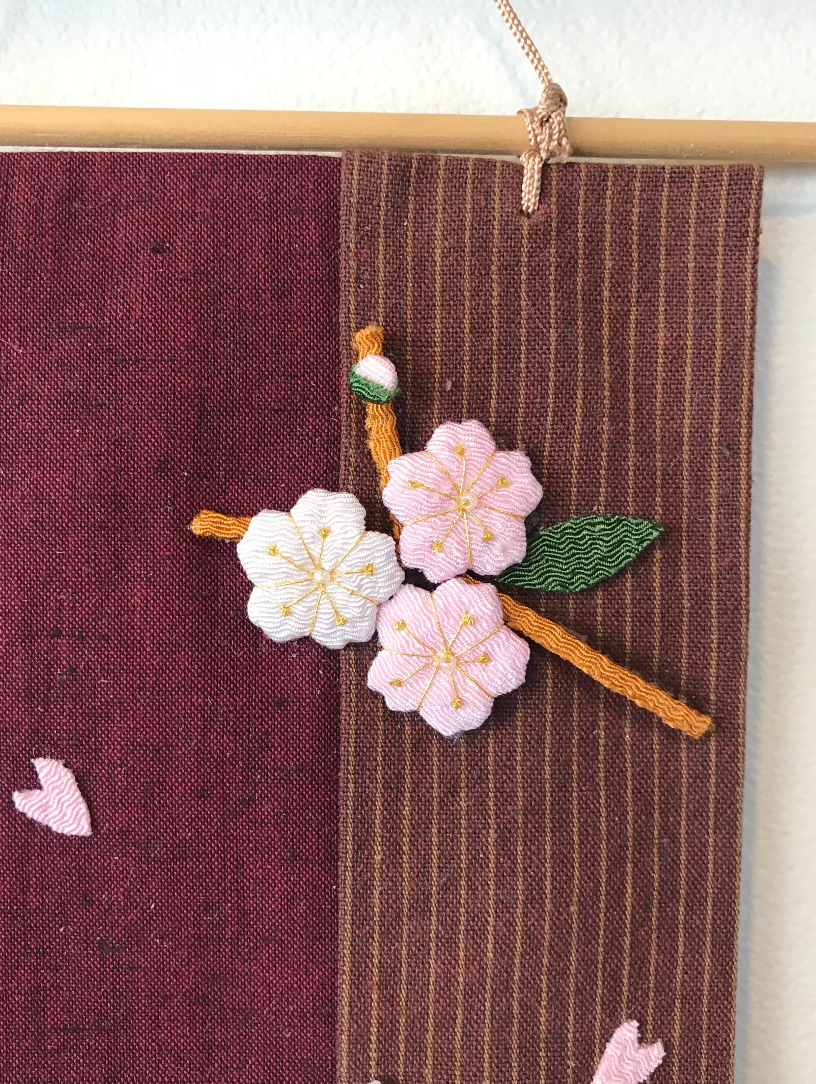桜うさぎのミニタペストリー