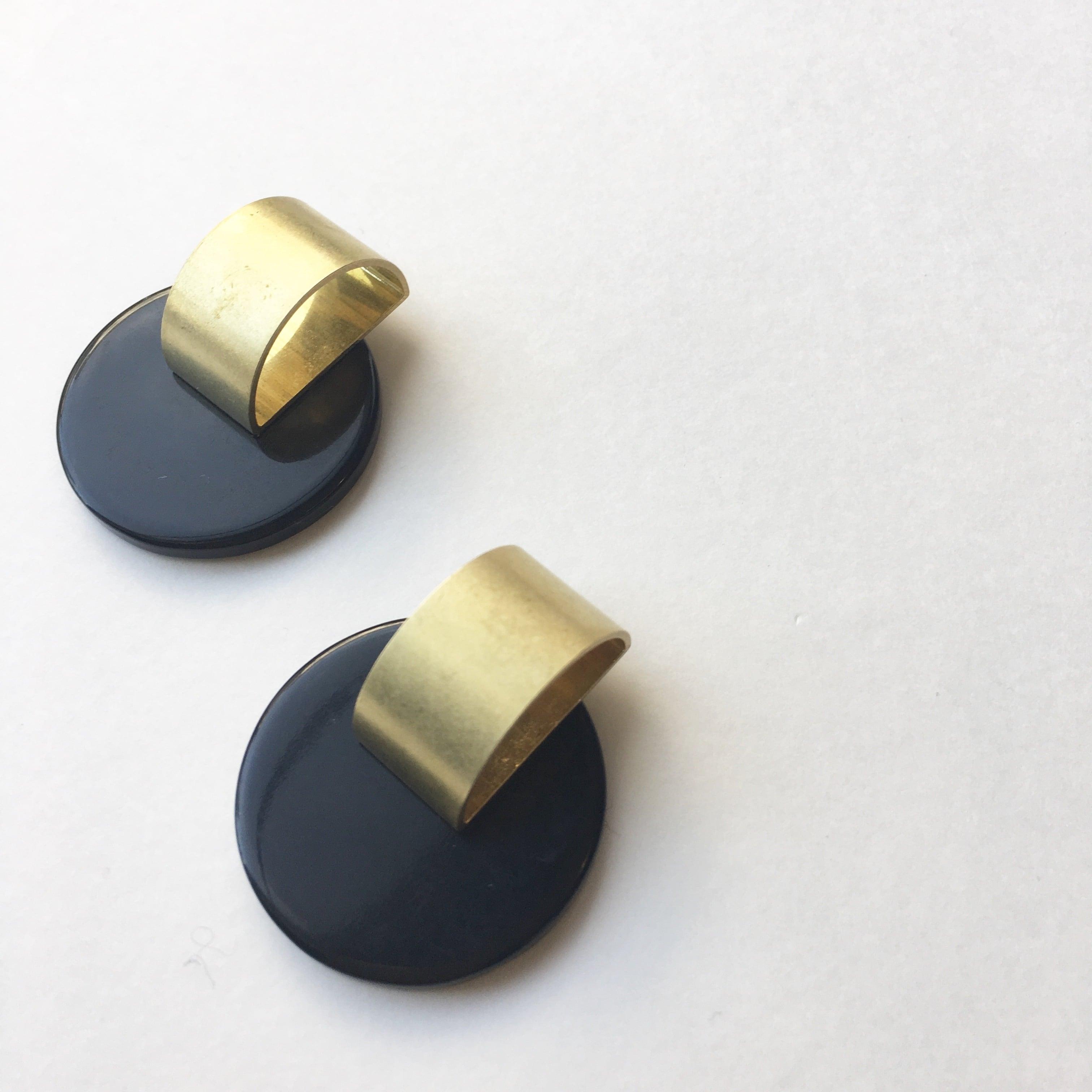 Moon plate earrings-S L-020