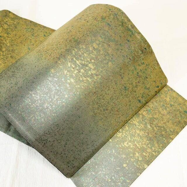 【逸品クラス】使用感少 袋帯 金×緑みの銀2トーン 六通 のり散らし模様