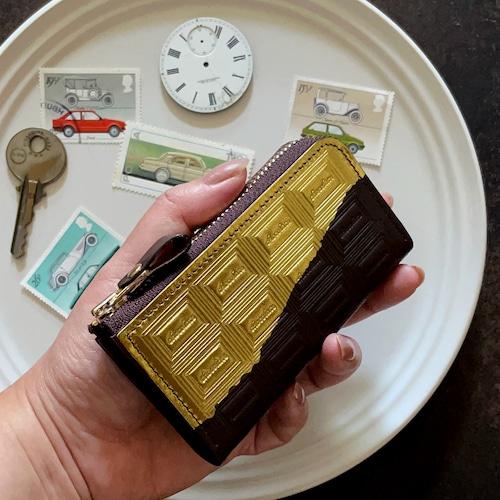 革のビターチョコ・ファスナー式キーケース(金の包み紙)