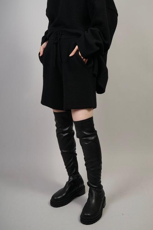 KNIT SHORT PANTS  (BLACK) 2109-23-72