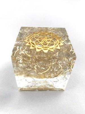 四角いオルゴナイト【ゴールドルチル・シトリン&天然水晶】金運・財運&健康運もGOOD♪