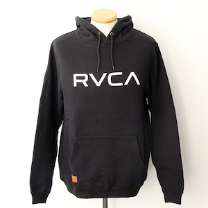【RVCA】BIG RVCA HOODIE (BLACK)