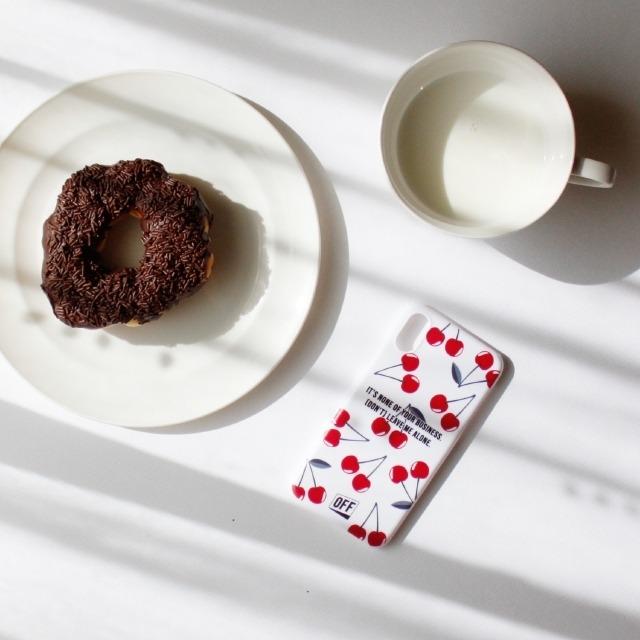 OFF(オフ)さくらんぼ スマホケース iPhone X/XS iPhoneケース アイフォンケース スマートフォンケース チェリー サクランボ ブランド
