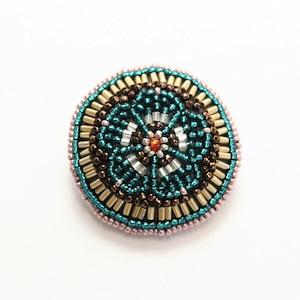 ビーズ刺繍 ブローチ 緑梅