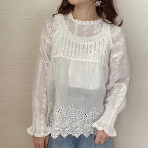 lace design tops[7/22n-4]