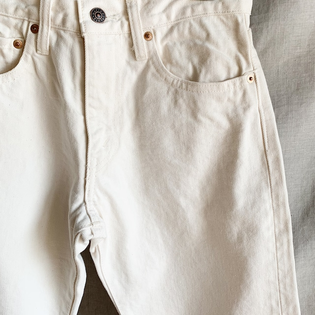 RESOLUTE - テーパードストレートデニム 712 - ホワイト