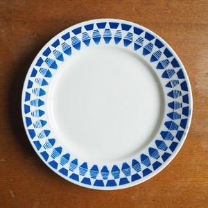 Badonviller(バドンヴィレ)の青いダイヤ柄のお皿