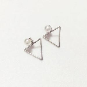 ❤︎三角型ピアス❤︎