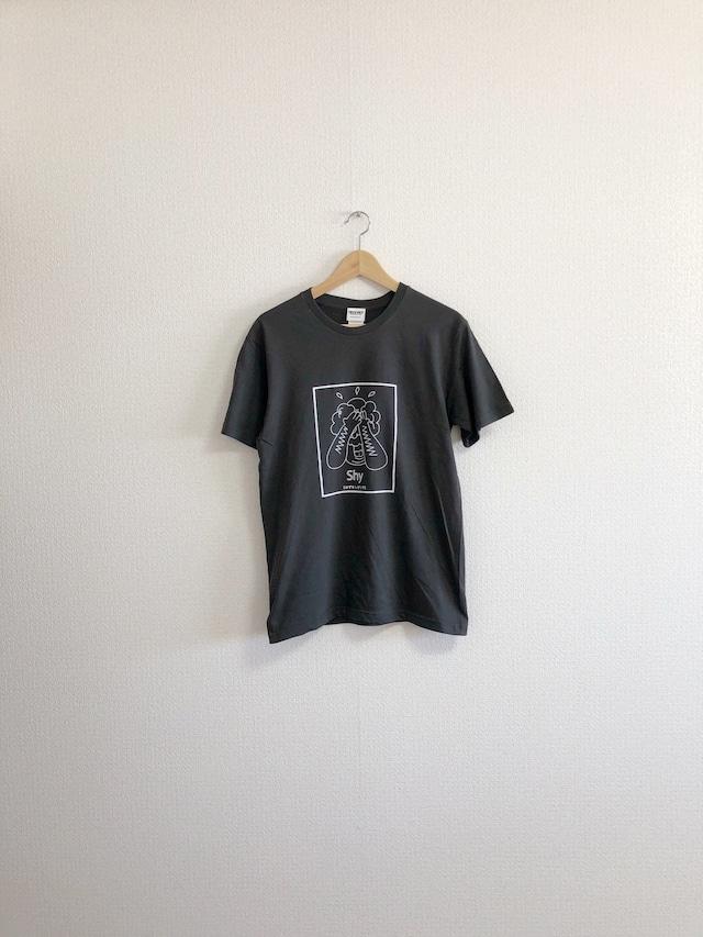 はずかしがりやTシャツ
