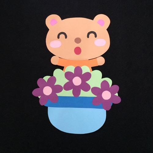 誕生表に使えるクマ(紫)の壁面装飾