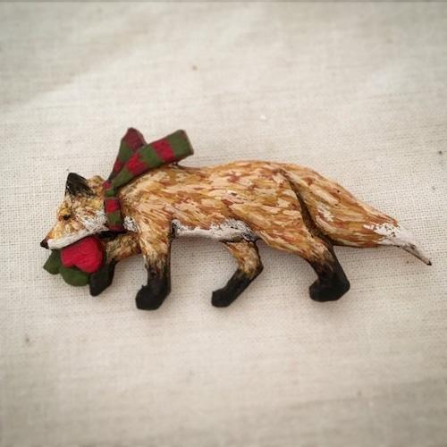 ブローチ 冬のお買い物   (Pin resin brooch  Winter shopping)