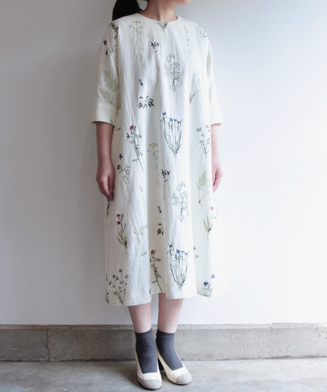 ボタニカル刺繍ワンピースドレス  (evi607  WHT・ホワイト/ NVY・ネイビー )
