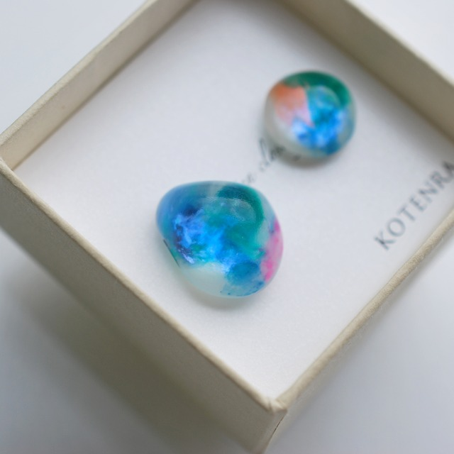 Color water ピアス