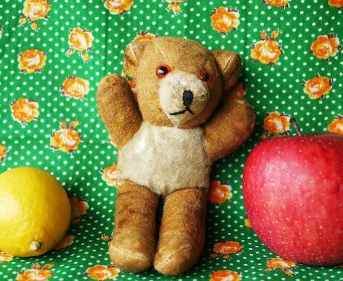 小熊のぬいぐるみ イギリス アンティーク テディベア 愛されすぎたぬいぐるみ