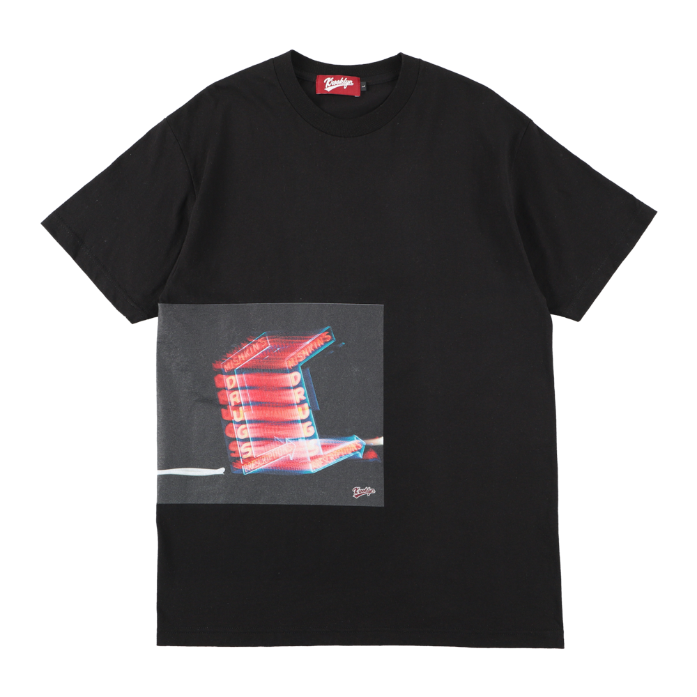 "K'rooklyn × Akimoto Fukuda Collaboration T-Shirts ""DRUGS"" -Black-"