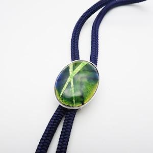 銀箔張り 深緑グラデーション 楕円形ループタイ