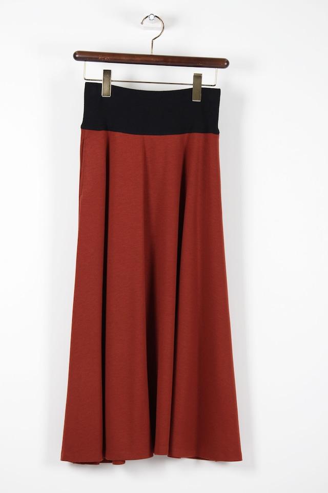 テラコッタカラーのフレアースカート1061W
