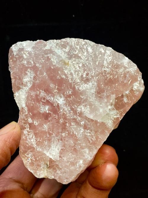 1) ローズクォーツ原石