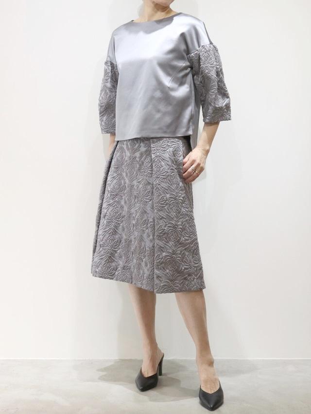 ウールサテン刺繍切替ブラウス