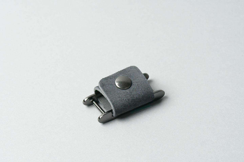 コードホルダー □ブラック・黒メタル□ イタリアンレザー earphone code holder - 画像1