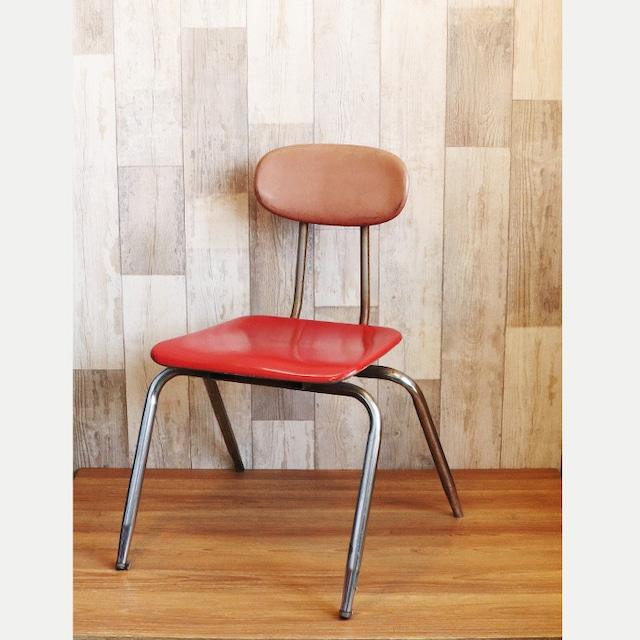 【B-73】レトロな赤い椅子