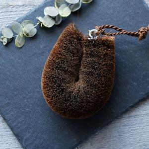 ねこのこたわし(丸型)/ 特製真鍮タグと棕櫚の紐付き