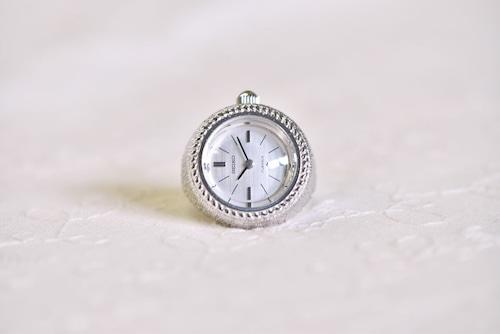 【ビンテージ時計】デッドストック 1971年7月製造 セイコー指輪時計 日本製 ナチュラルなケースの仕上げが抜群