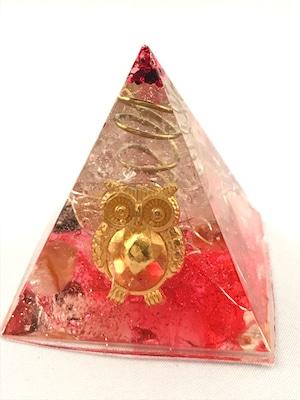 ピラミッド型オルゴナイト(フクロウ)【カーネリアン&天然水晶】展示品のため発送は1/14~