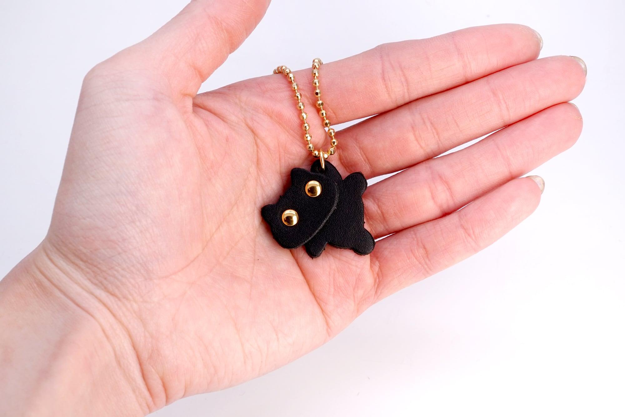 やんちゃ猫プチチャーム(牛革製)