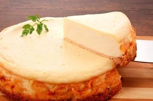 (送料込み) グルテンフリー お米のソイチーズケーキ ギフト箱入りホールタイプ