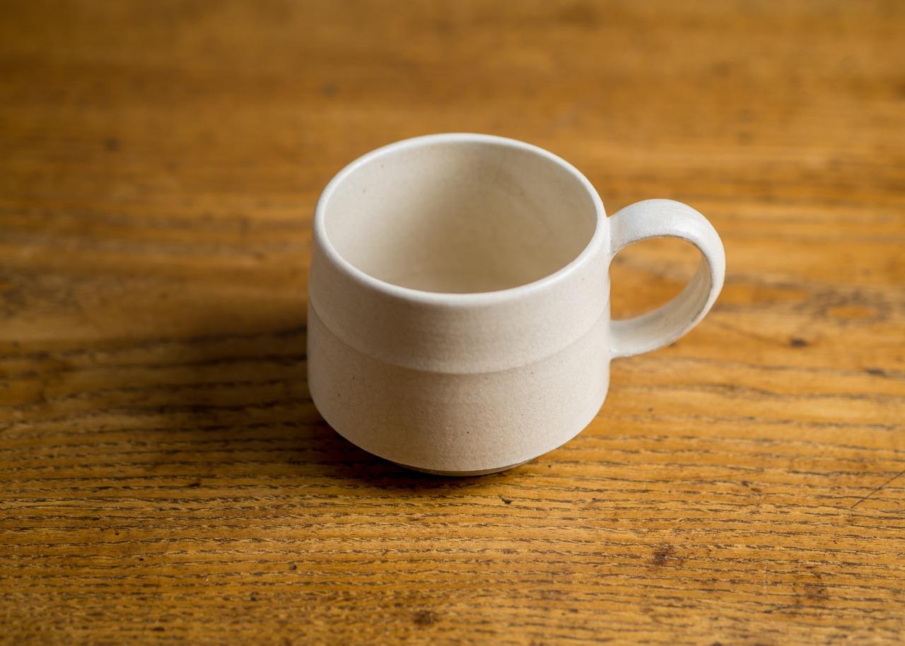 白マット コーヒーカップ(マグカップ)/鈴木美佳子