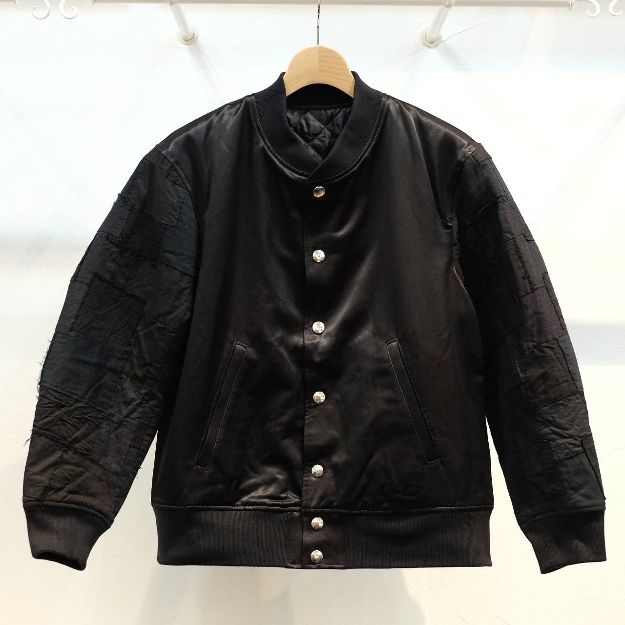 KUON(クオン) 袖アップサイクル スカジャン ブラック
