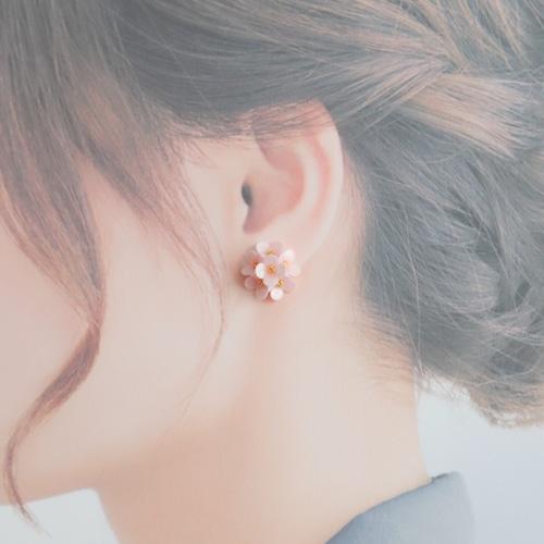 小花イヤリング・ピアス【ピンク】 春色・小さい花・ピンク・プレゼント・バレンタインに
