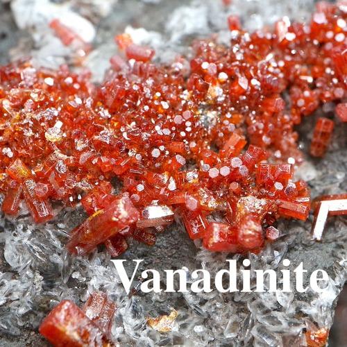 自主採掘!褐鉛鉱 バナジン鉛鉱   323g VND043  鉱物 天然石 パワーストーン 原石