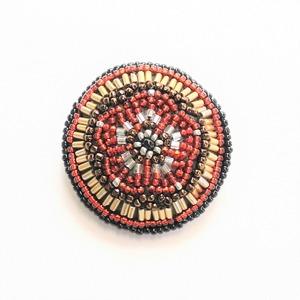 ビーズ刺繍 ブローチ 赤梅