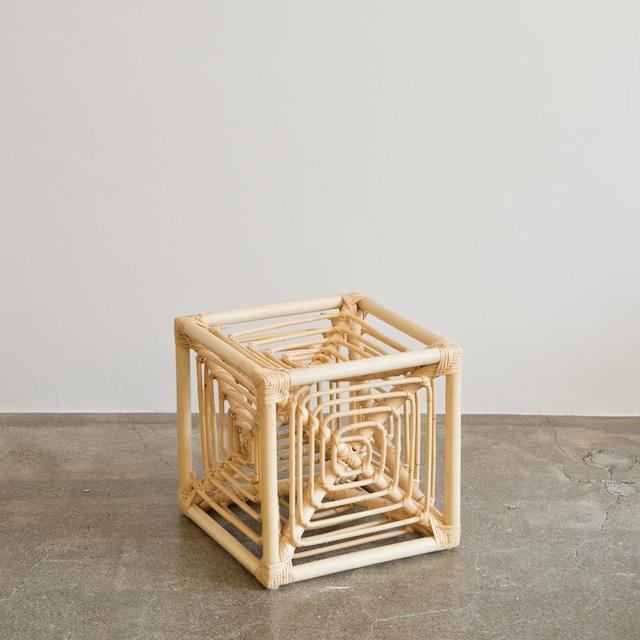 岡本太郎 サイコロ椅子 ラタンスツール