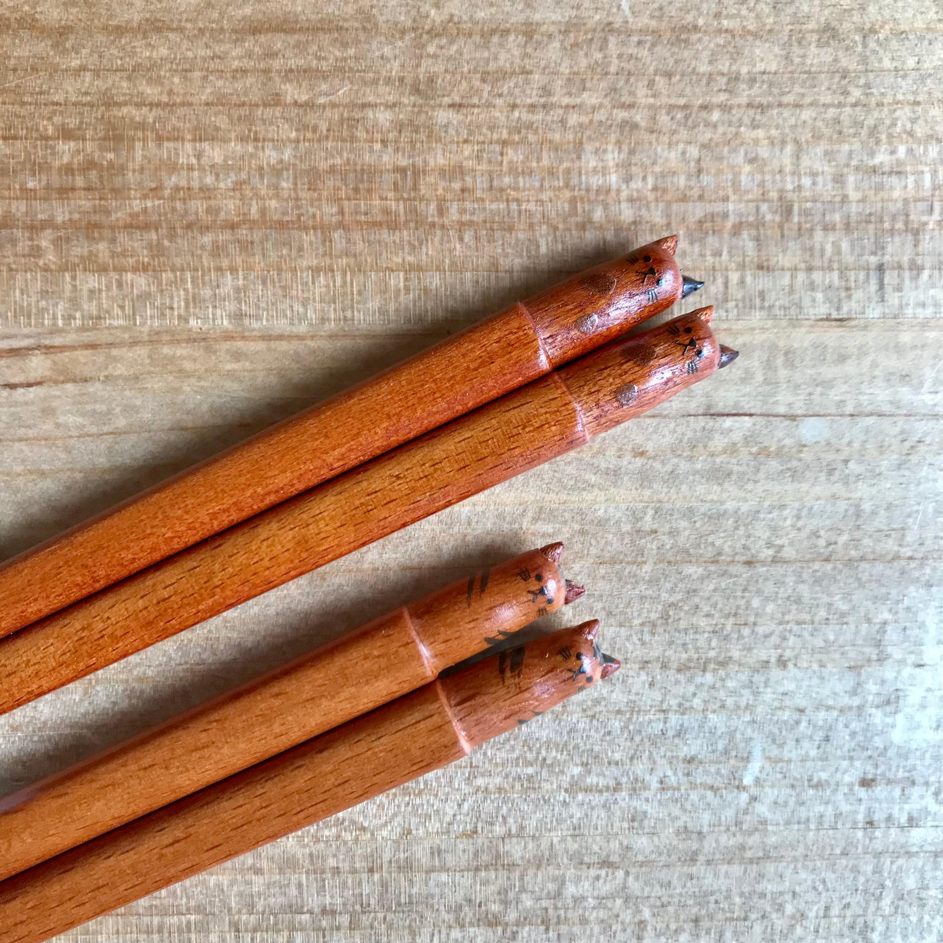 ブチネコとトラネコの箸