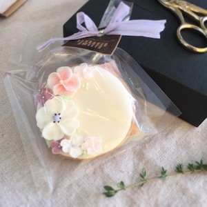 可憐なお花のアイシングクッキー (10個単位でご購入ください@702)